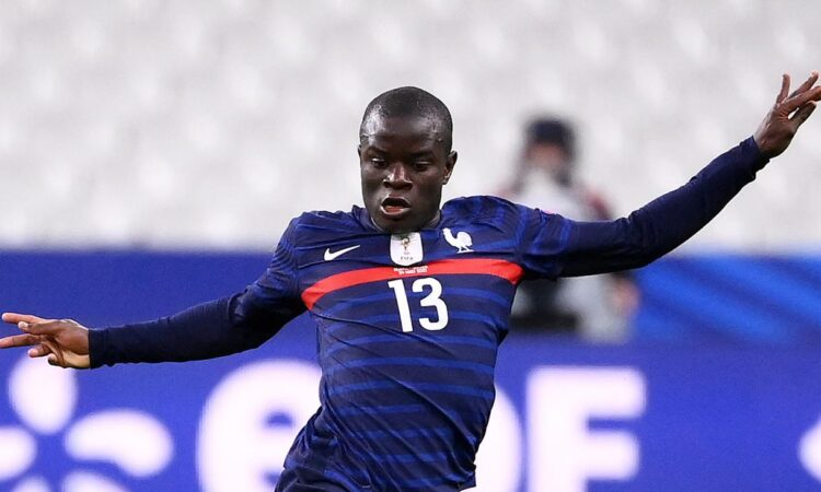 Chelsea midfielder, Kante picks up injury on international duty