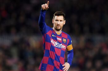 Barcelona will offer Lionel Messi a new contract to keep him at the club until 2023