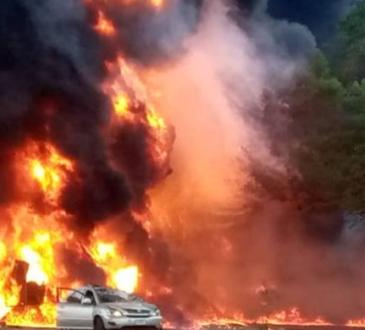 Video - One feared dead, cars burnt as tanker explodes in Ogun
