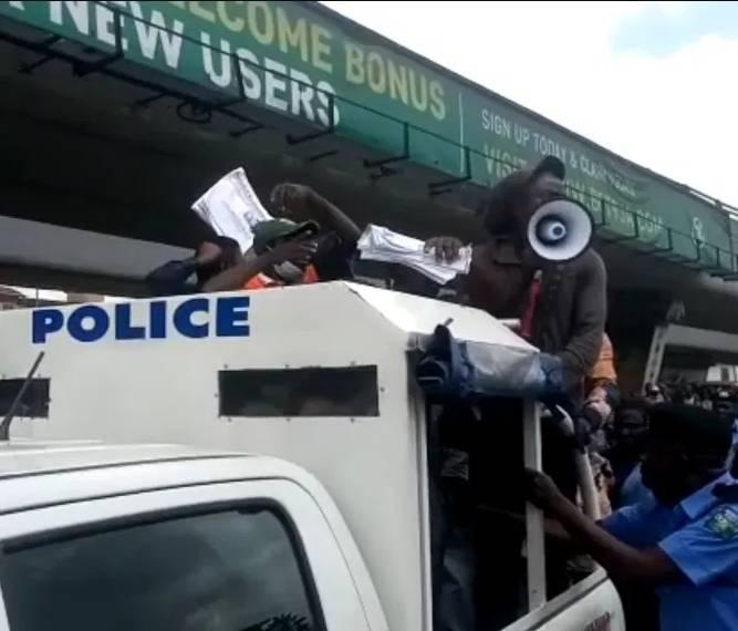 Police Arrests 4 Journalists, 18 Others Protesting Against Fuel Hike In Lagos